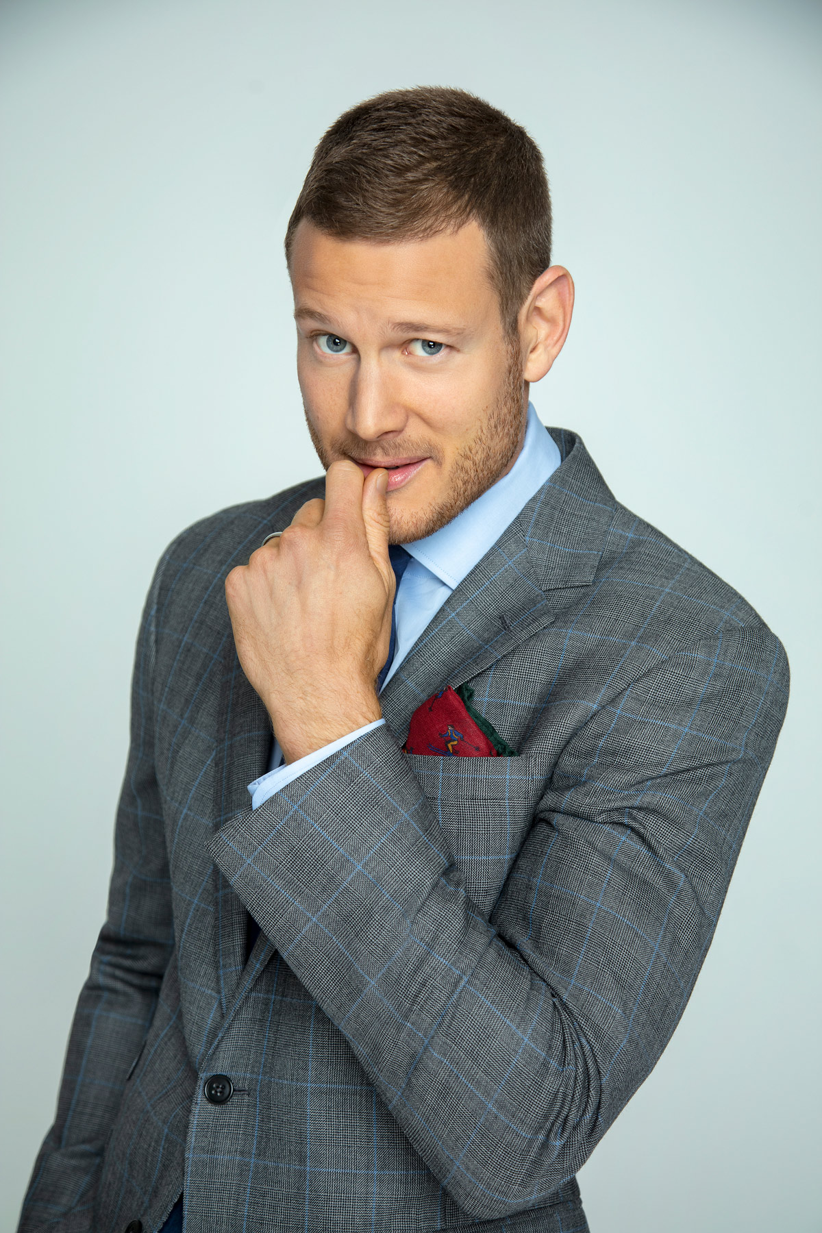 TOM_HOPPER